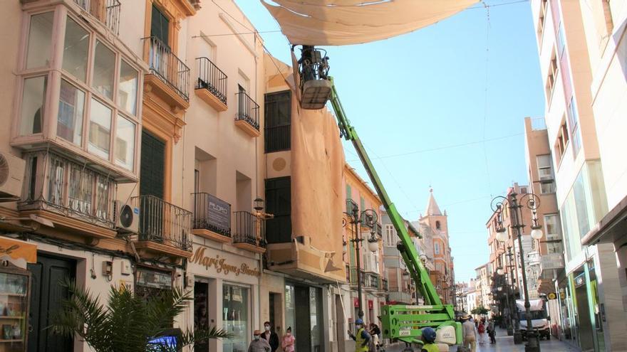 Retiran en Lorca los toldos de la Corredera