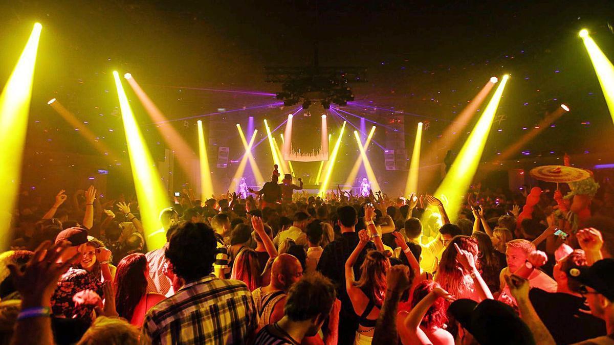 El sector teme que el verano esté ya perdido para las grandes discotecas.