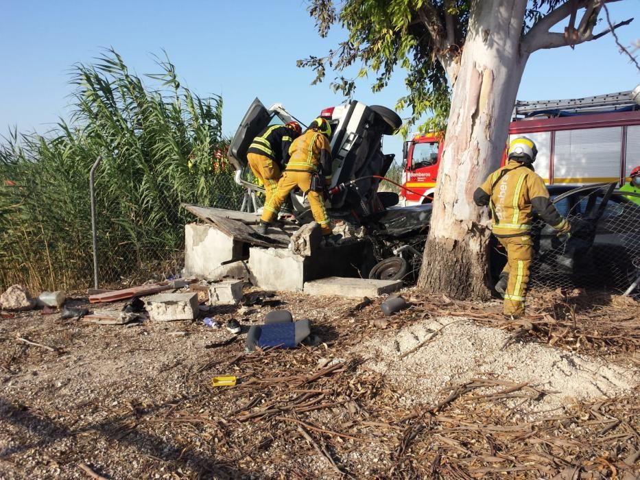 Una mujer herida grave tras un aparatoso accidente en Elche