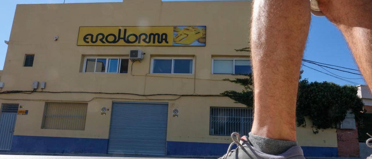 La nave de Eurohorma, en la avenida de la Melva, adonde se trasladó el negocio hace 40 años.