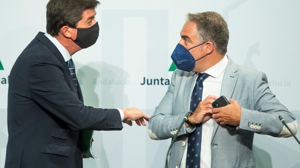 Juan Marín y Elías Bendodo, tras el Consejo de Gobierno.