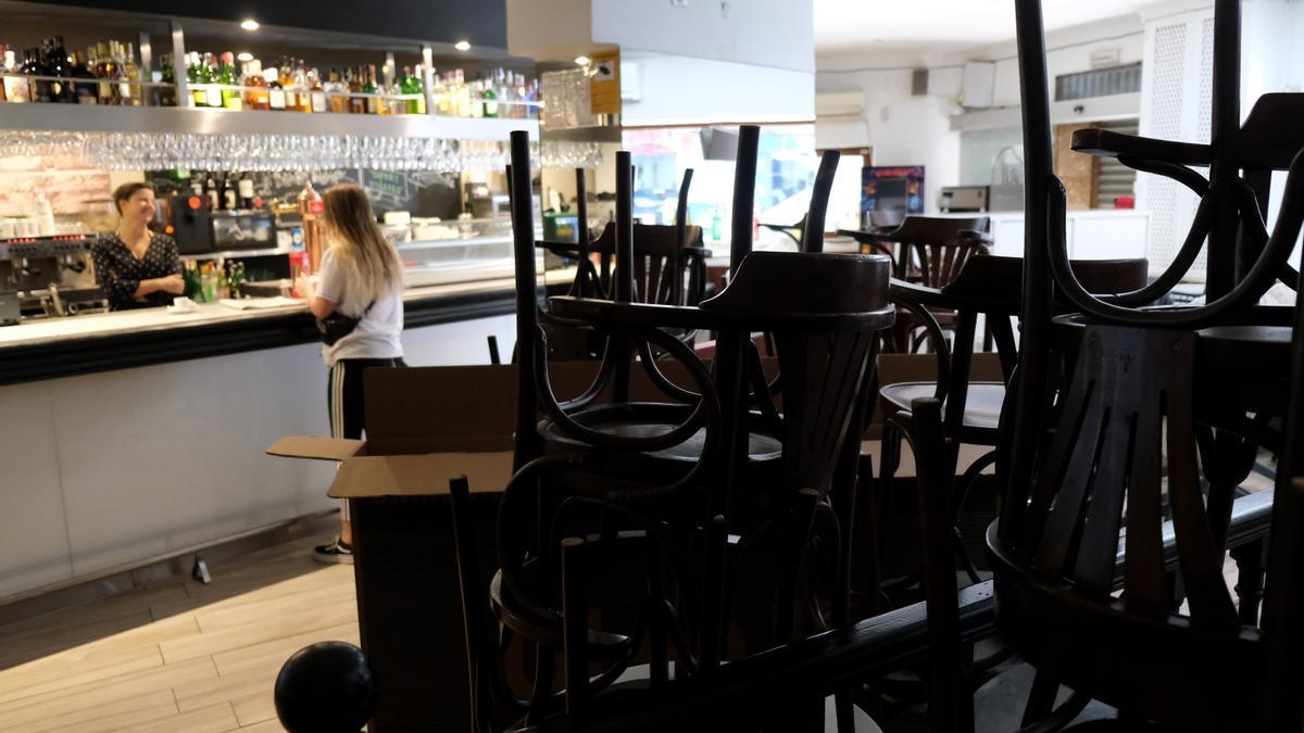BALEARES.-Restauración Mallorca pide retrasar a la medianoche el inicio del toque de queda para frenar el impacto en el sector