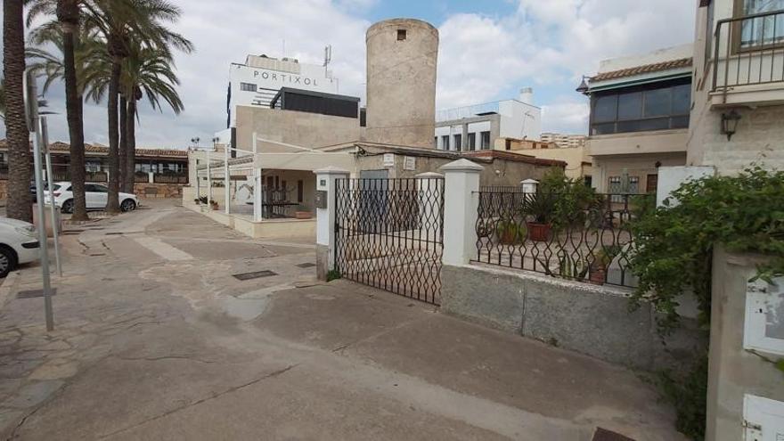 La APB vende a los propietarios de casas en el Portitxol el espacio de las terrazas