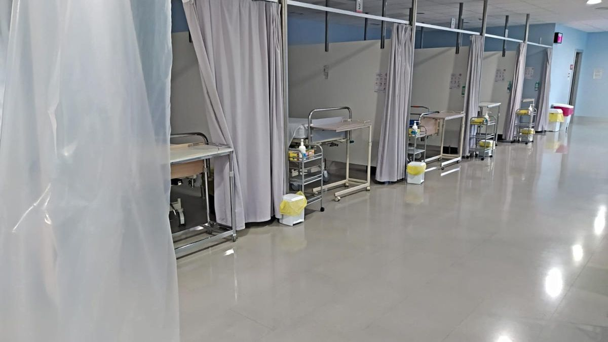 La zona de preingrés que s'ha habilitat a l'hospital de Figueres, en una imatge del 5 de novembre.