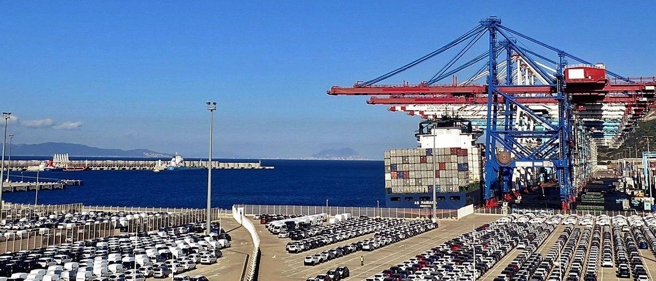 El puerto marroquí de Tánger.    MOHAMED SIALI