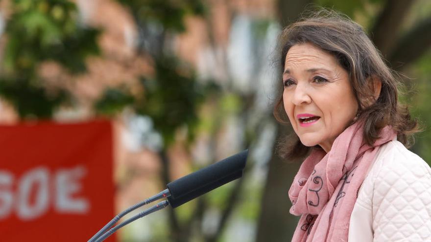 La ministra Maroto rep un sobre amb una navalla ensangonada