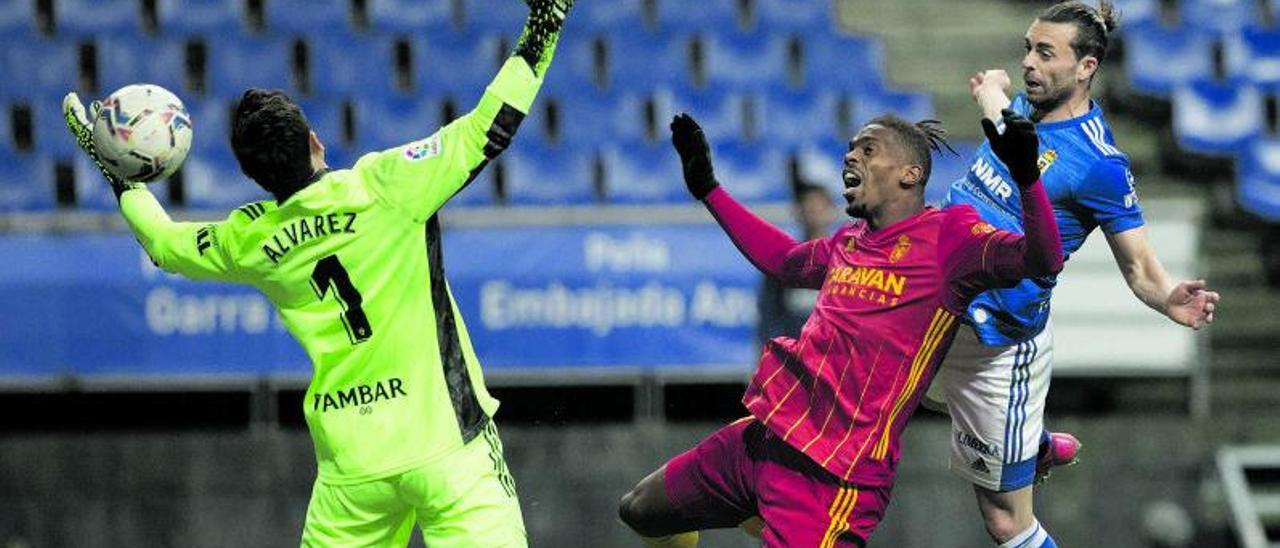 Rodri, tras rematar a gol el domingo ante Jair y Cristian Álvarez. | Irma Collín