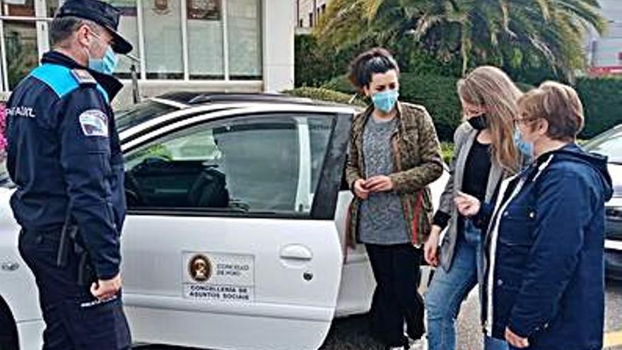 Servizos Sociais de Poio recibe un vehículo para sus asistencias