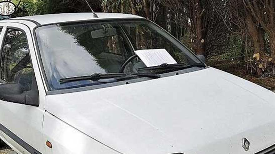Detenido tras mostrar un carné de conducir de la 'República Errante Menda Lerenda'