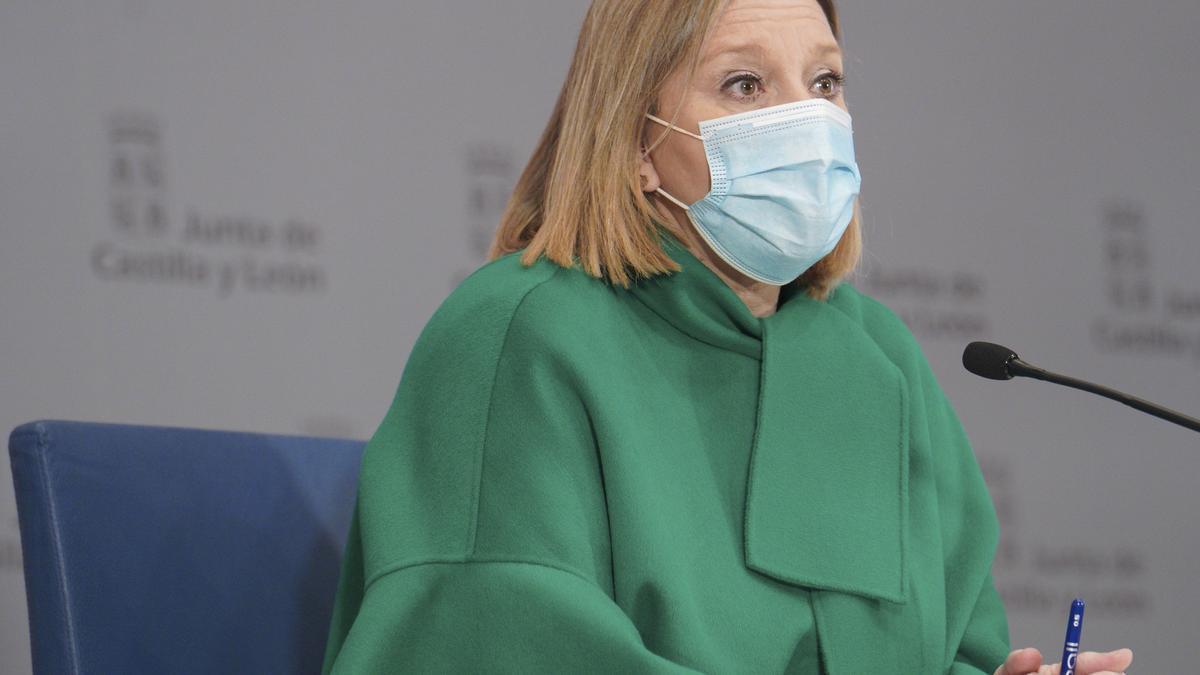 La consejera de Familia e Igualdad de Oportunidades, Isabel Blanco, durante la rueda de prensa.