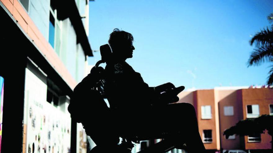 """El Gobierno admite que no está """"orgulloso"""" de los datos de dependencia en Canarias"""