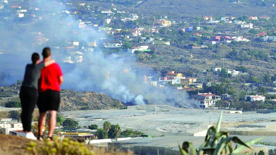 La colada de lava del volcán de La Palma engulle el corazón de Todoque