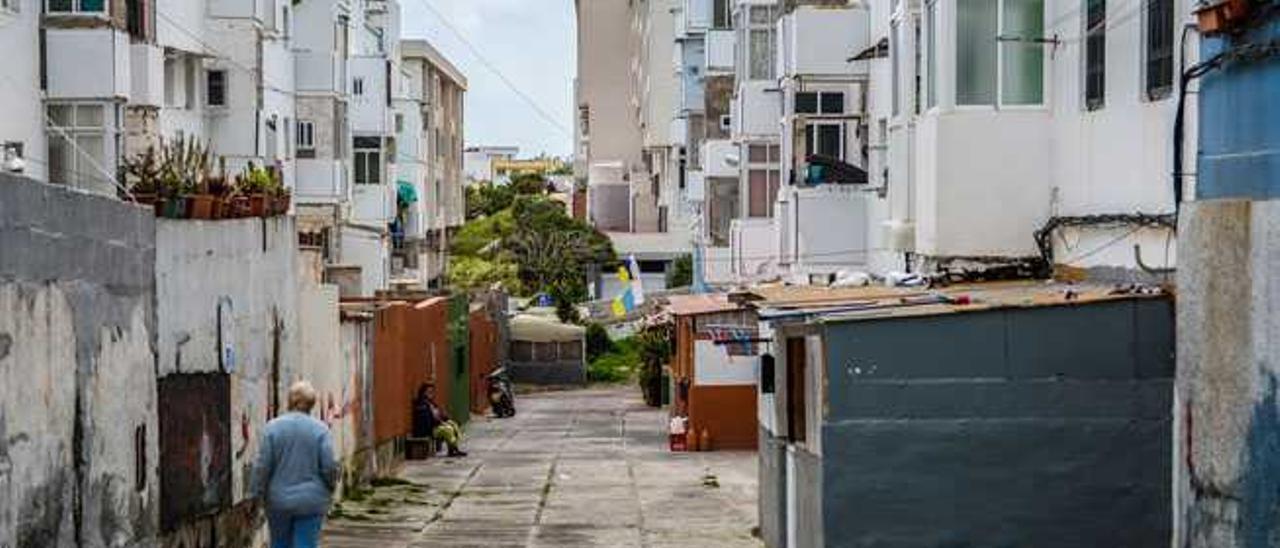 Imagen de los patios del patronato de Tamaracite, donde hay chabolas.