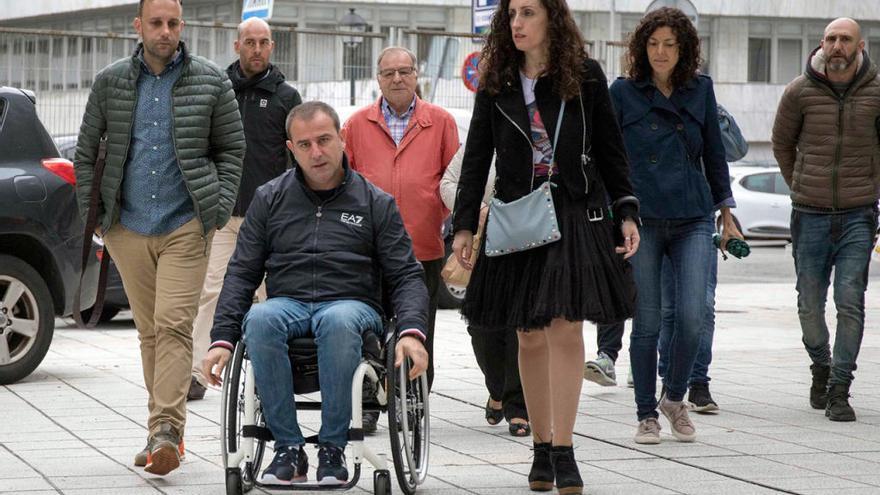 """El ciclista parapléjico del Alba: """"Vi la piedra ya en el aire; no la pude evitar"""""""