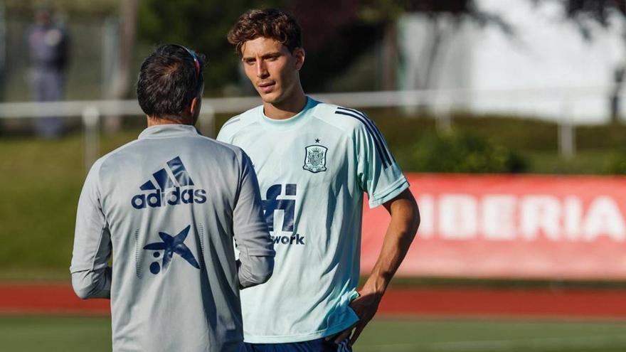 Así están siendo los entrenamientos individuales de Pau Torres con la selección