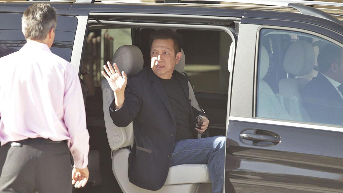 Peter Lim, màxim accionista, en una visita a València.   IGNACIO HERNÁNDEZ
