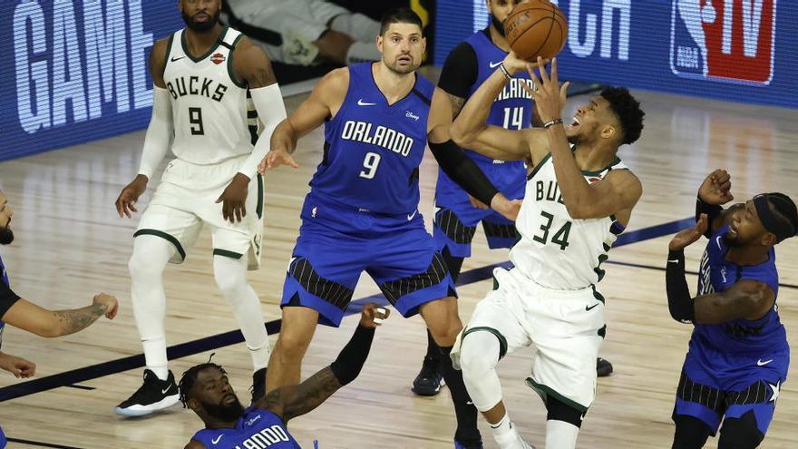 Bucks, Lakers y Heat mandan en sus series y los Rockets sufren un tropiezo