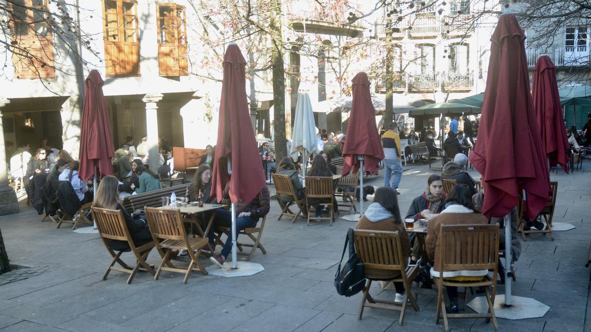 La plaza de A Verdura, con las terrazas llenas en la víspera del Día de Reyes.