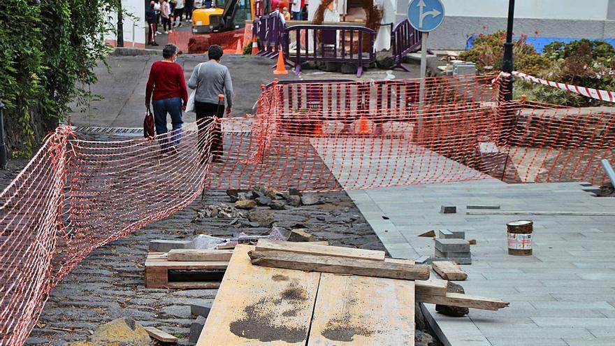 Patrimonio reclama paralizar las obras de Las Calzadas y reponer las piedras