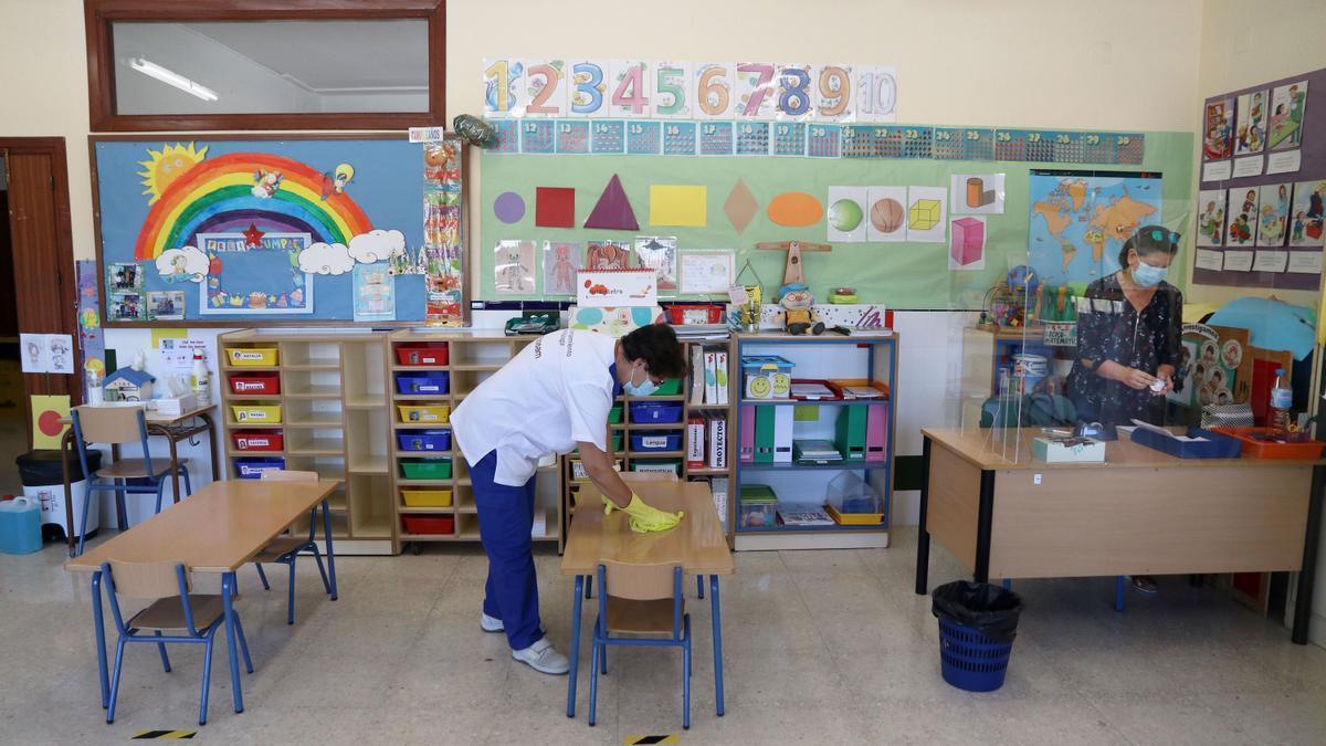 Los profesores, padres y directores analizan la vuelta a las aulas