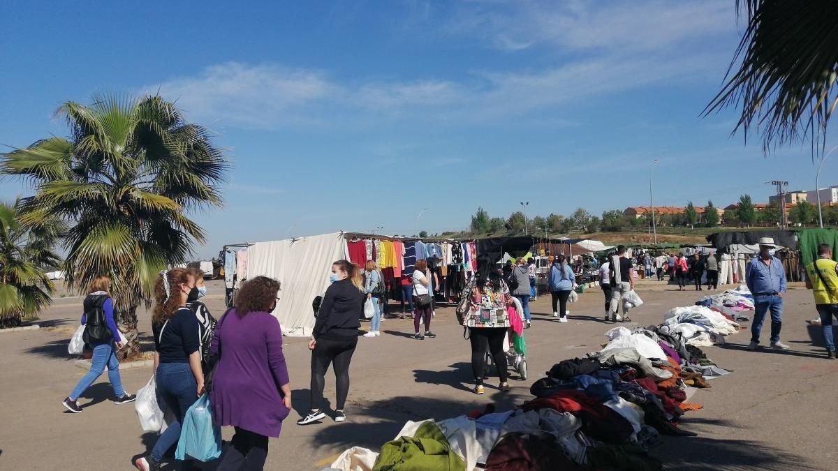 El mercadillo de Mérida resiste