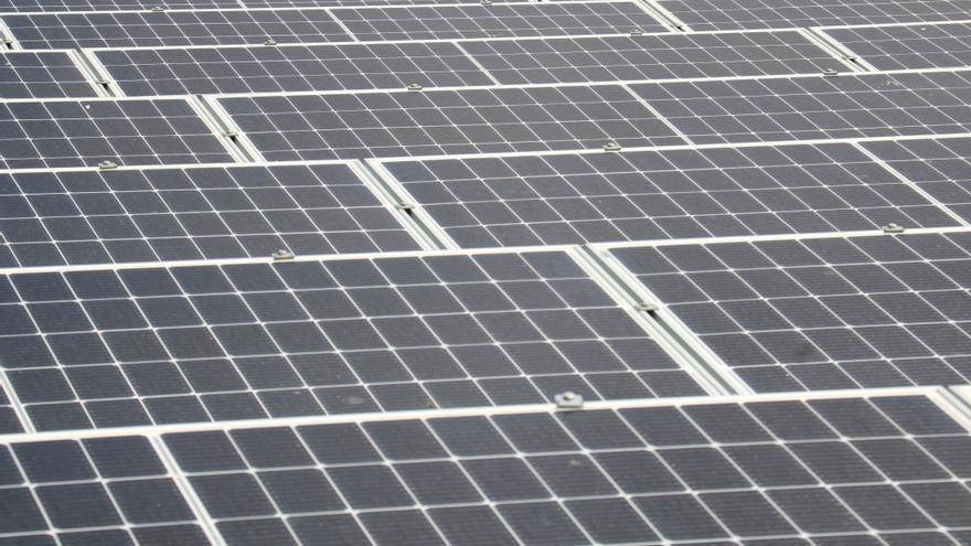 Instal·len llum solar fotovoltaica, a Tonyà, al terme de Garrigàs