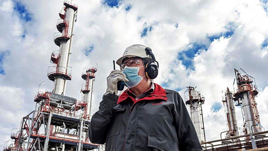La Refinería recibe un galardón por  su gestión de la seguridad industrial