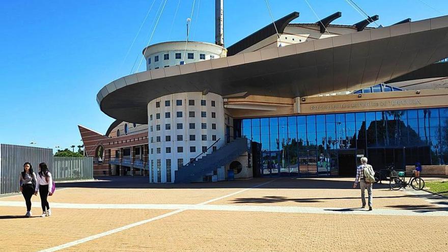 Torrevieja prevé invertir 3,3 millones en reparar el Palacio de los Deportes