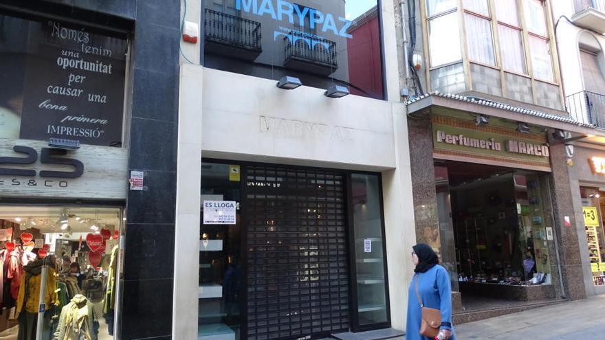 Les botigues Marionnaud i Marypaz abaixen la persiana a Figueres