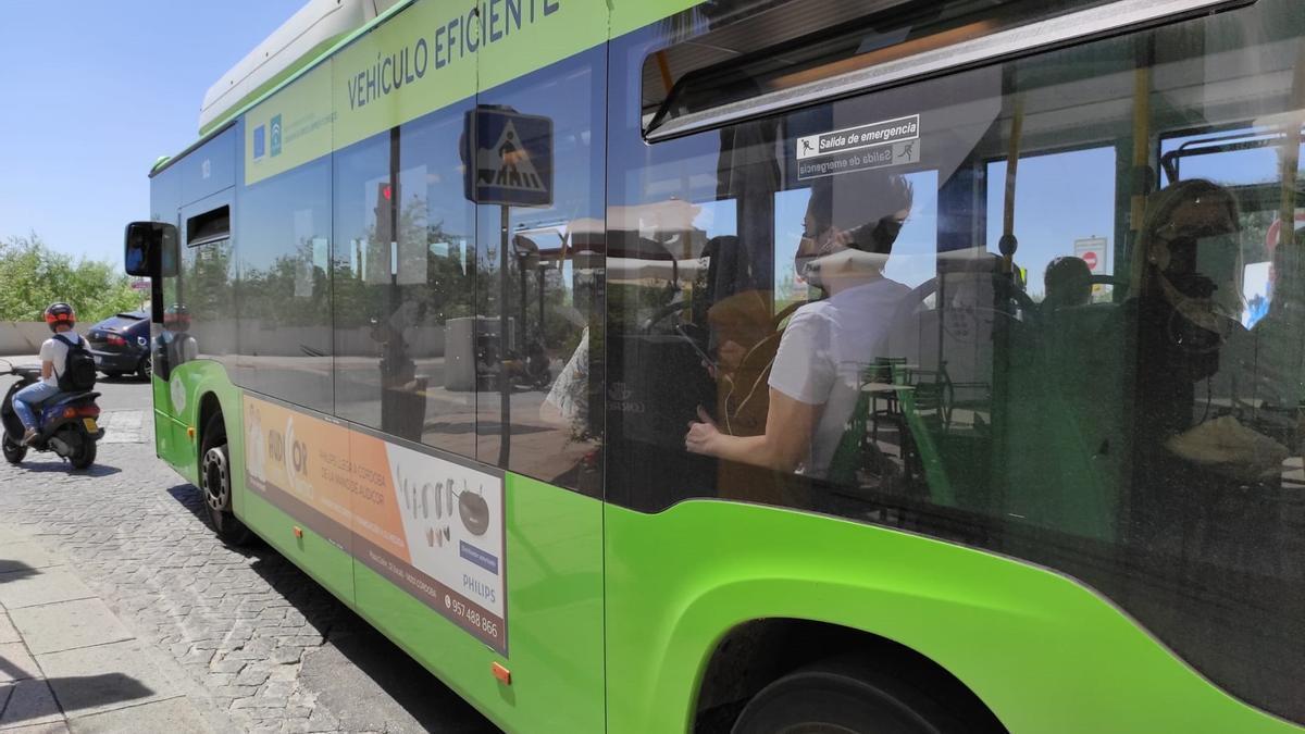 Un autobús de Aucorsa.