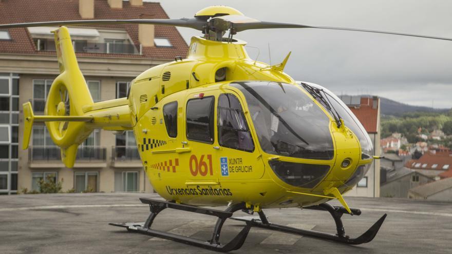 Evacuado en helicóptero un joven jugador de la EF Lalín tras chocar con un compañero