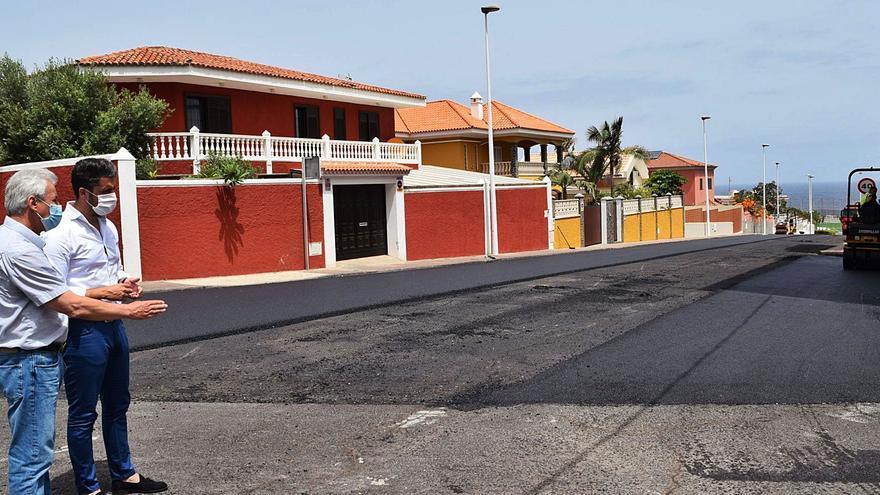 La obra en la calle Los Sabandeños inicia el plan anual de asfaltado