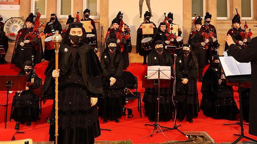 Las gaitas de la Real Banda sonaron con fuerza en el campus