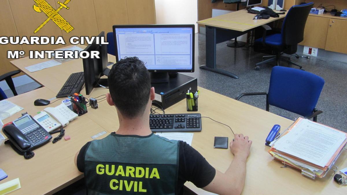Investigadores informáticos de la Guardia Civil