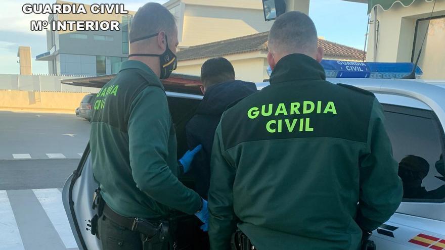 Detenido en Torre Pacheco un joven por una docena de robos con fuerza en viviendas