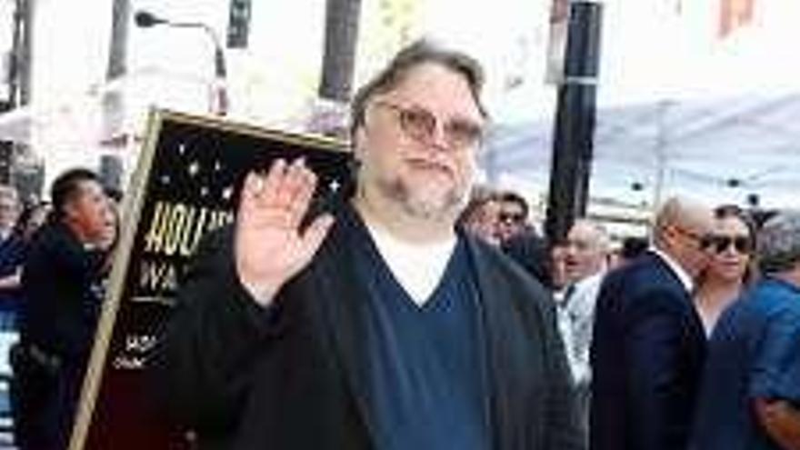 Del Toro ya tiene su estrella en el Paseo de la Fama