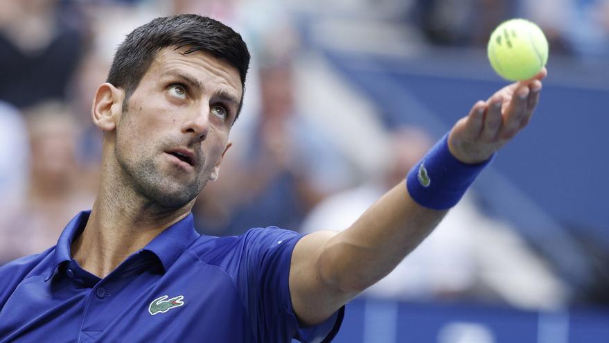 La participación de Djokovic en el Open de Australia pende de un hilo