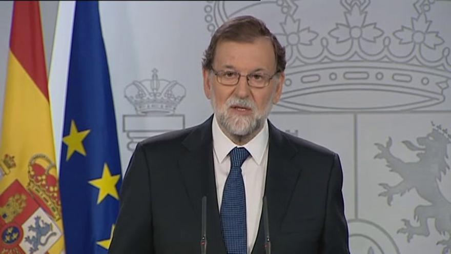 Rajoy defiende su actuación en Cataluña y convoca a partidos para reflexionar