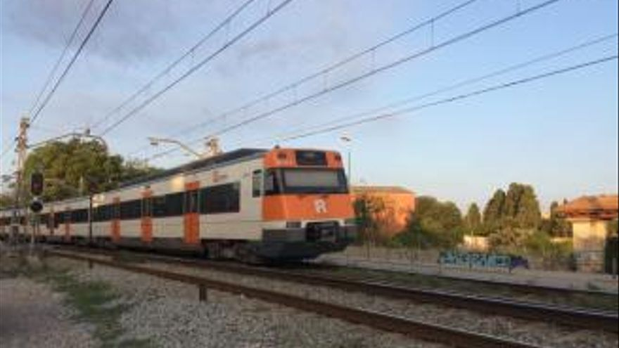 Restableixen la circulació de trens entre Figueres i Girona però l'AVE en direcció Barcelona segueix tallat