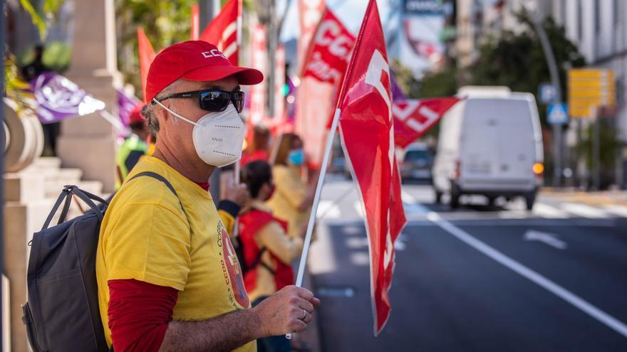 """Los trabajadores claman contra el """"desmantelamiento"""" de Correos"""