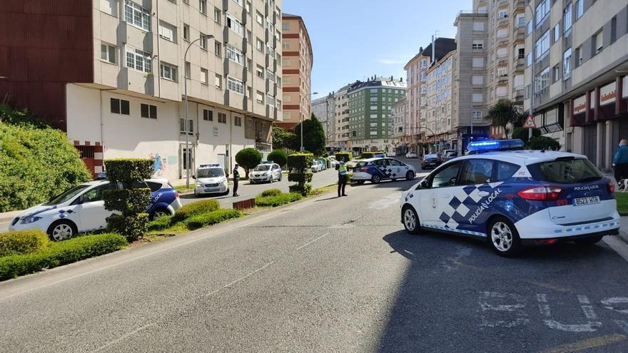 Rescatan en Lugo a un bebé de cuatro meses que se había quedado encerrado en un coche con las llaves dentro
