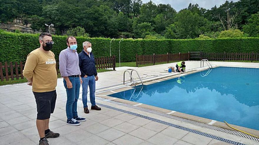 Las piscinas de Infiesto (Piloña) abren hoy, jueves, con un aforo de 220 personas y la ampliación de la zona verde