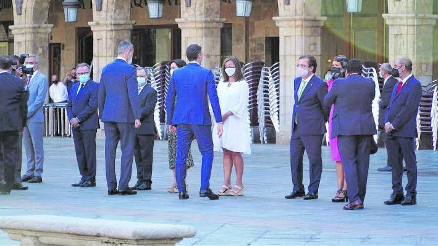 Armengol insta al Estado a afrontar la «superpoblación» de Balears