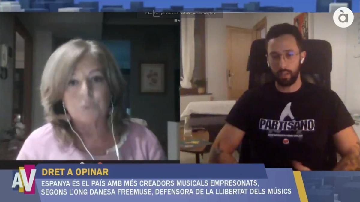 Conexión en director de Consuelo Ordóñez y Valtonyc en el programa A la Ventura de À Punt.