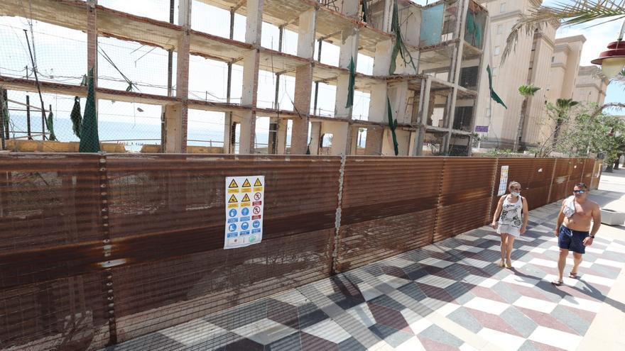 El derribo del hotel de Arenales empezará a final de este mes