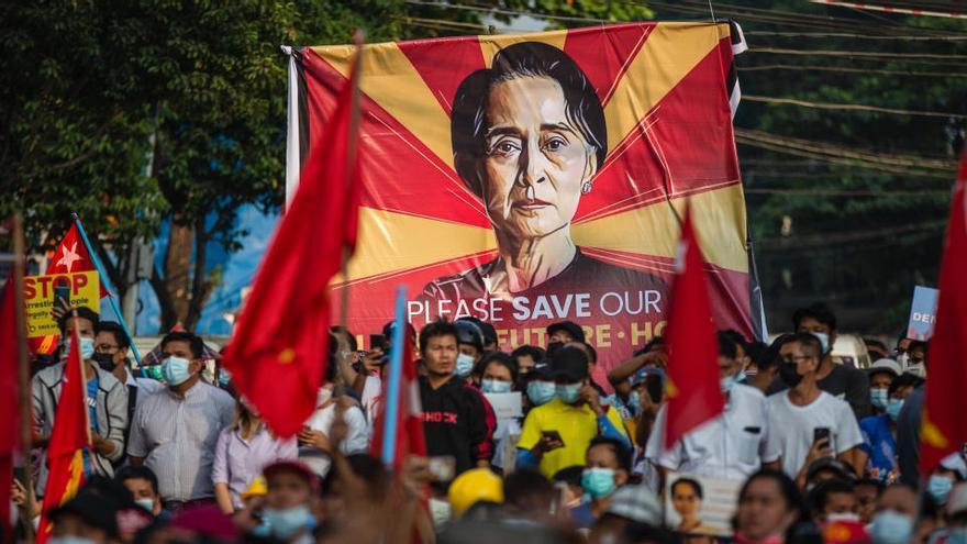 La Policía presenta nuevos cargos contra la líder birmana Aung San Suu Kyi