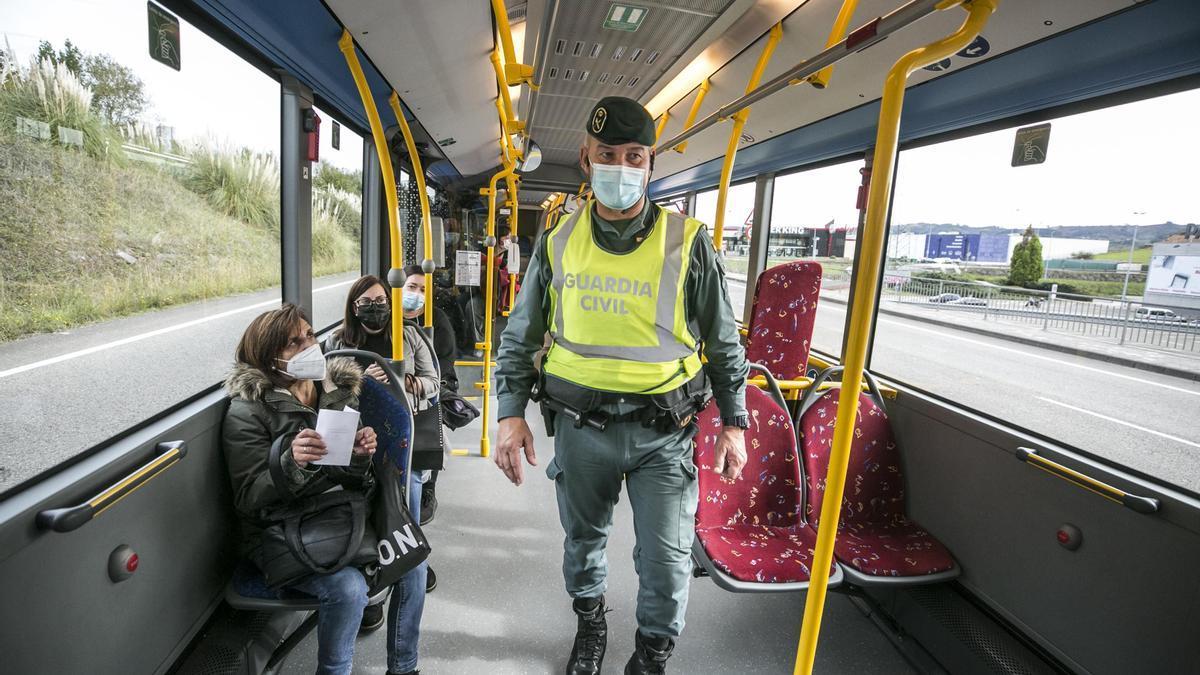 Control de movilidad en un autobús.