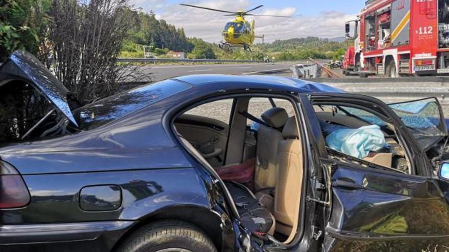 Fallecen un joven de 19 años y su madre en un accidente en la autovía A-6 en Abegondo