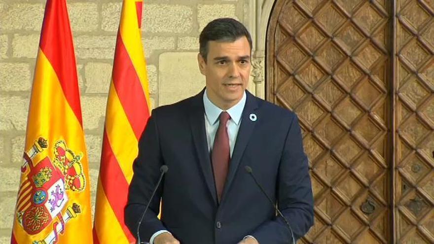 Sánchez insiste en que no habló con Delcy Rodríguez desde Barajas