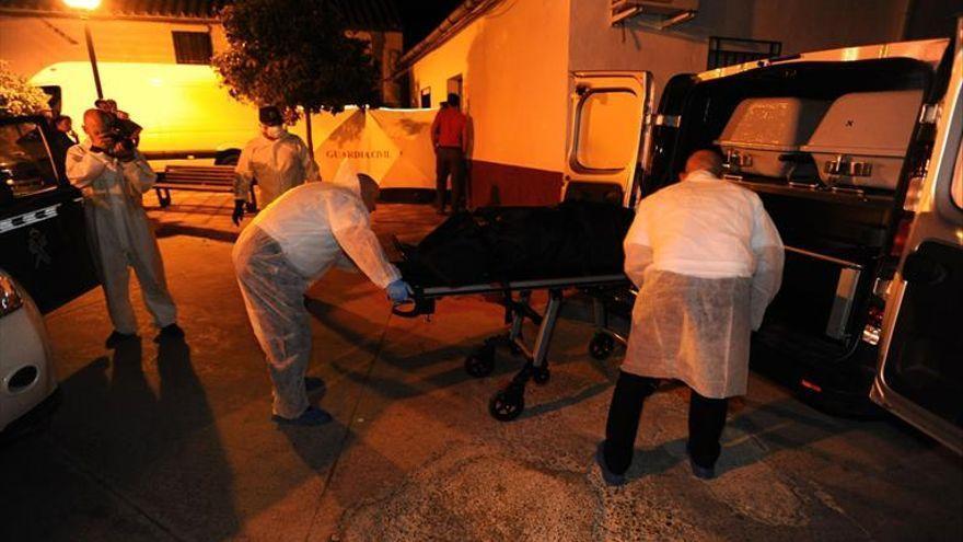 Piden prisión permanente revisable por el crimen de La Chica Carlota: mataron y enterraron a un hombre en el patio de su casa
